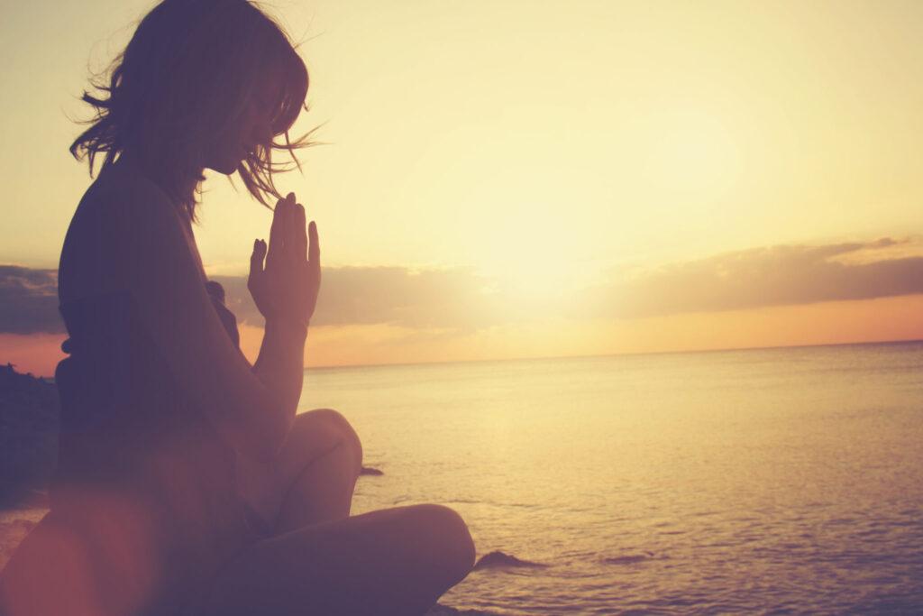 yoga benefits - self-knowledge through mindfulness