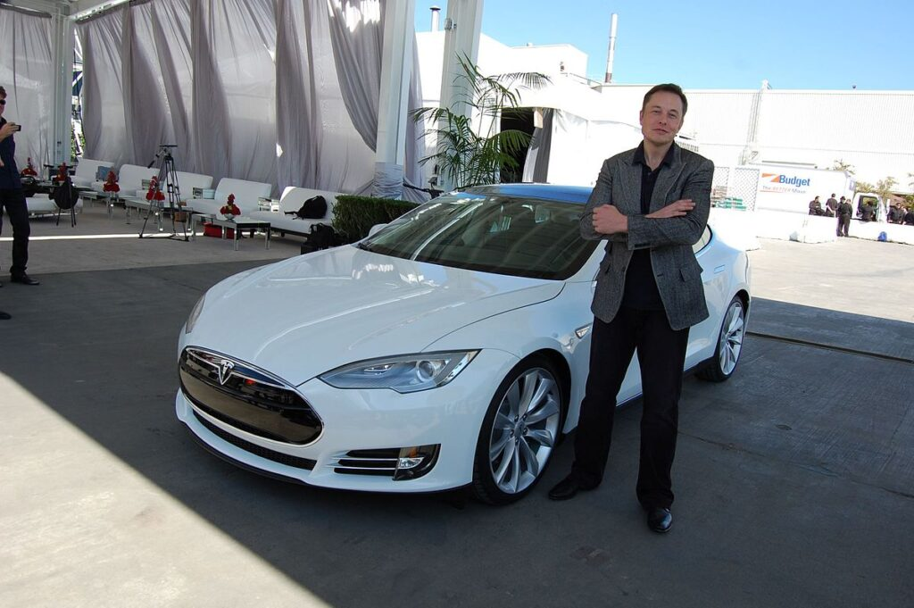 Elon_Musk,_Tesla_Factory_Fremont