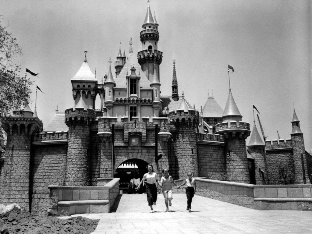 disneyland-vintage-photo