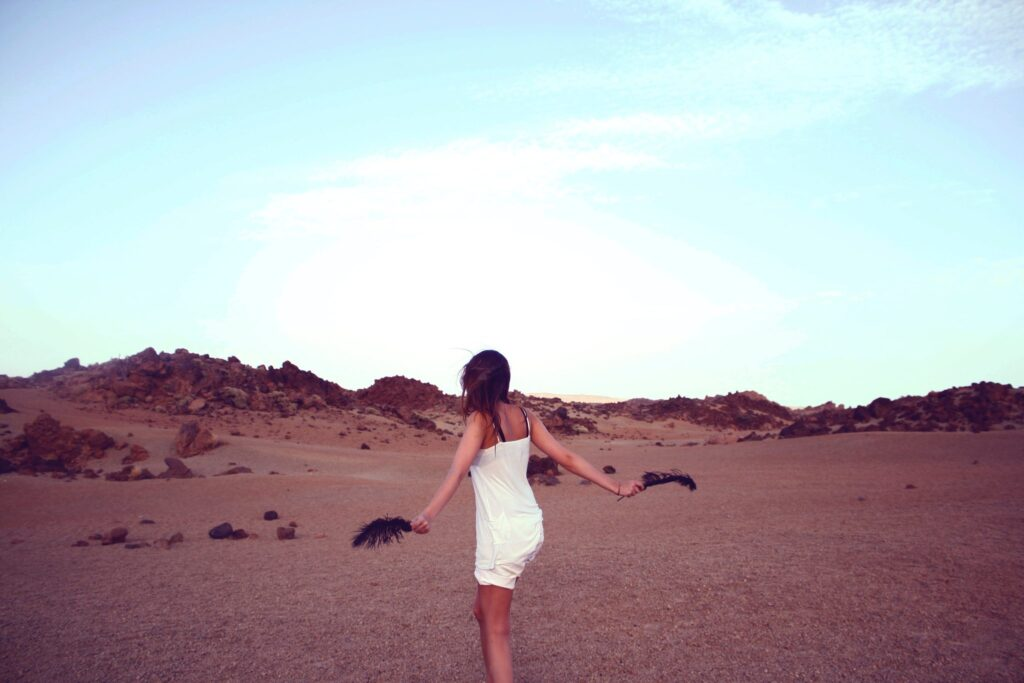 carefree-woman-desert