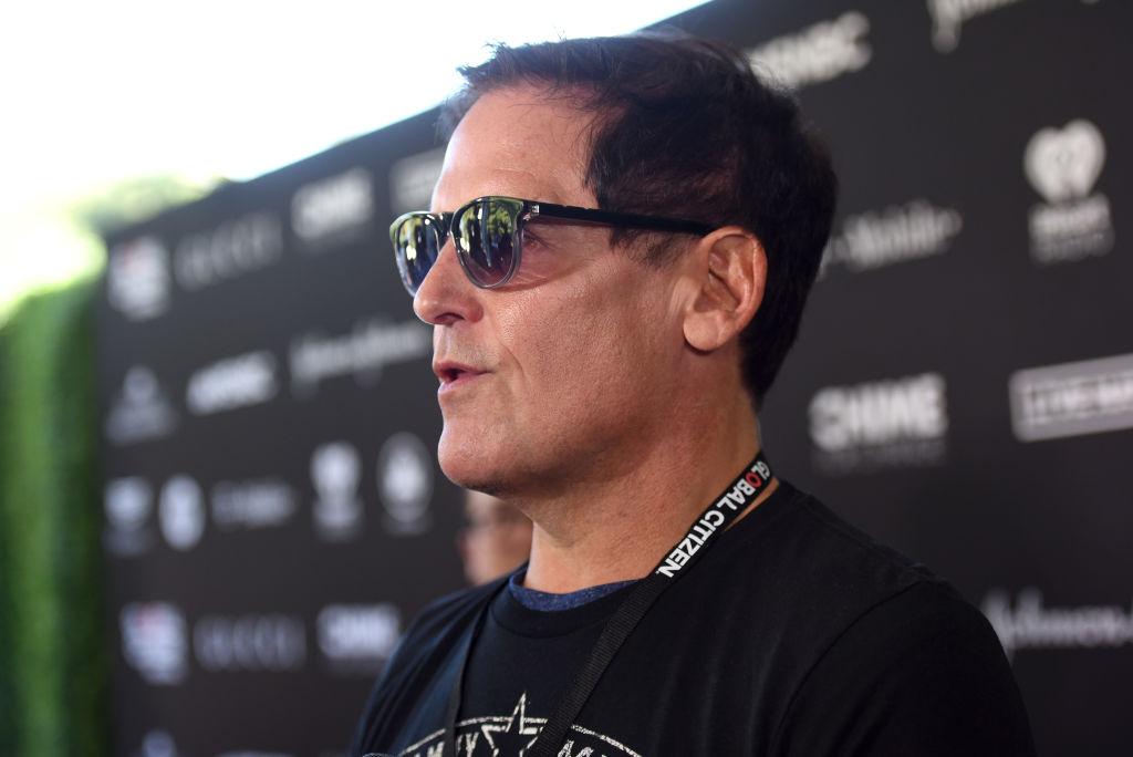 mark-cuban-wearing-sunglasses