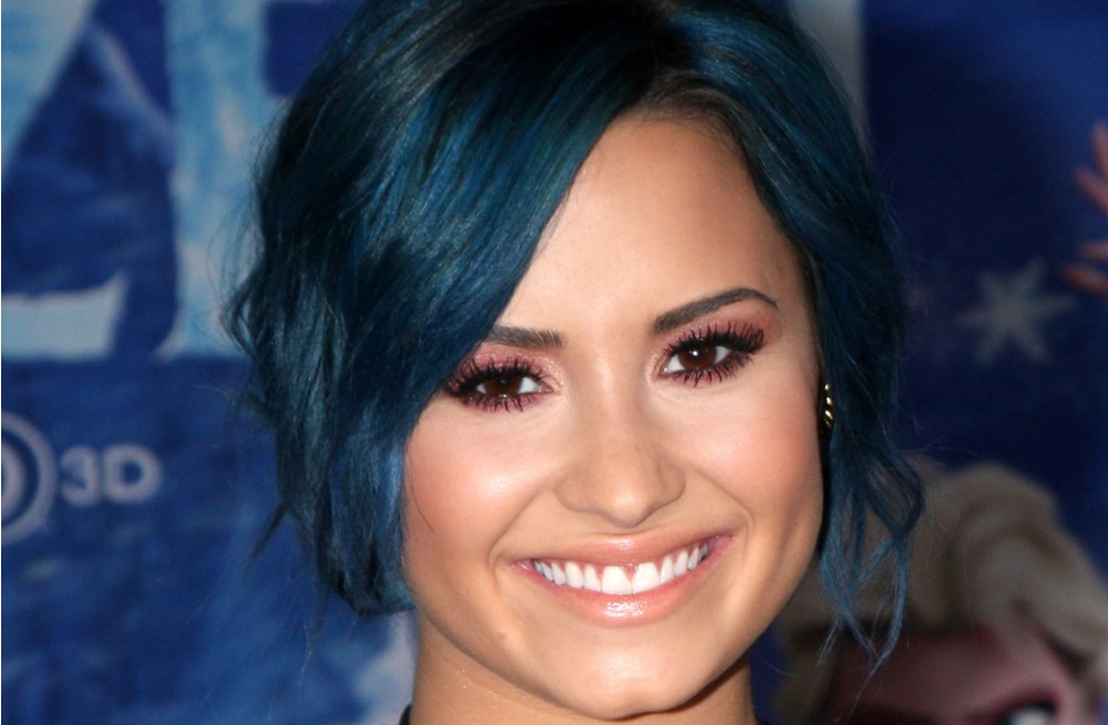 demi-lovato-closeup-blue-hair