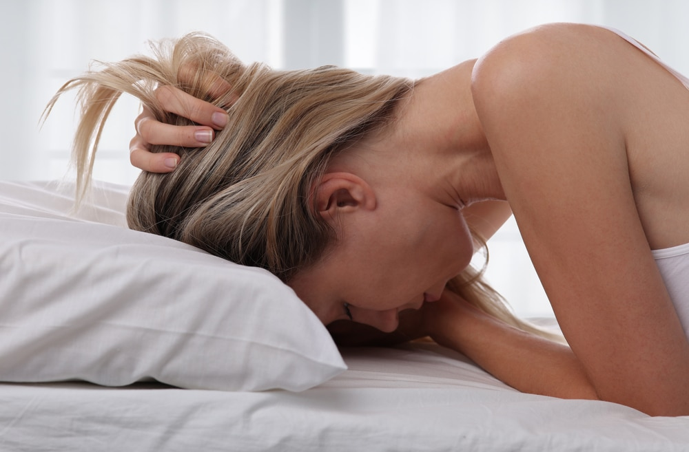 woman-having-trouble-sleeping