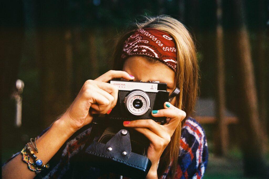 Woman-taking-a-photo