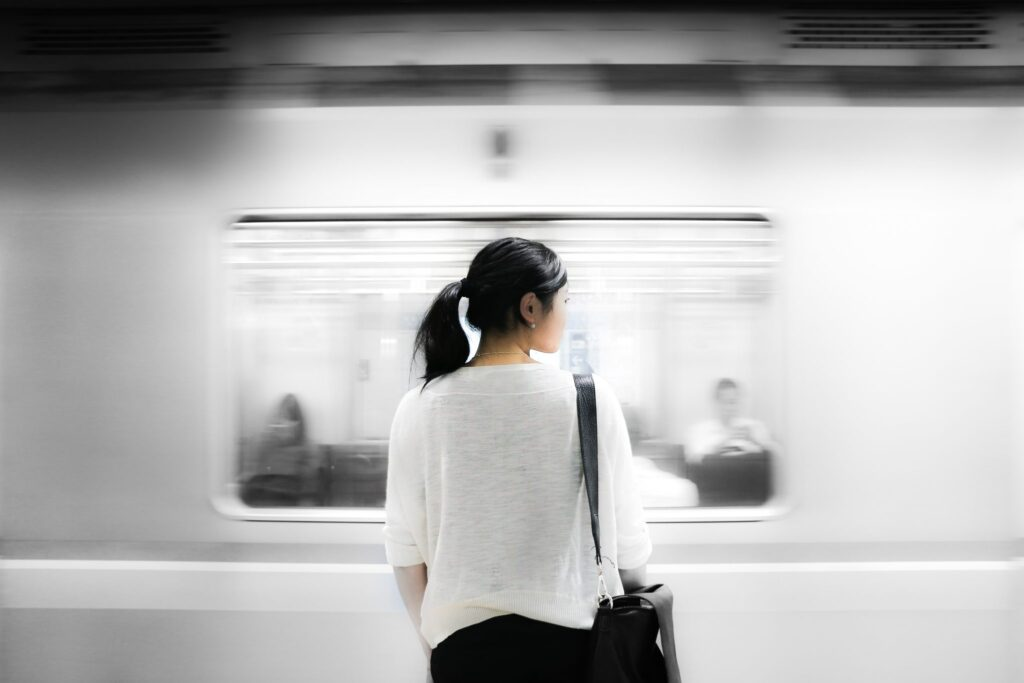Woman-waiting-for-the-subway