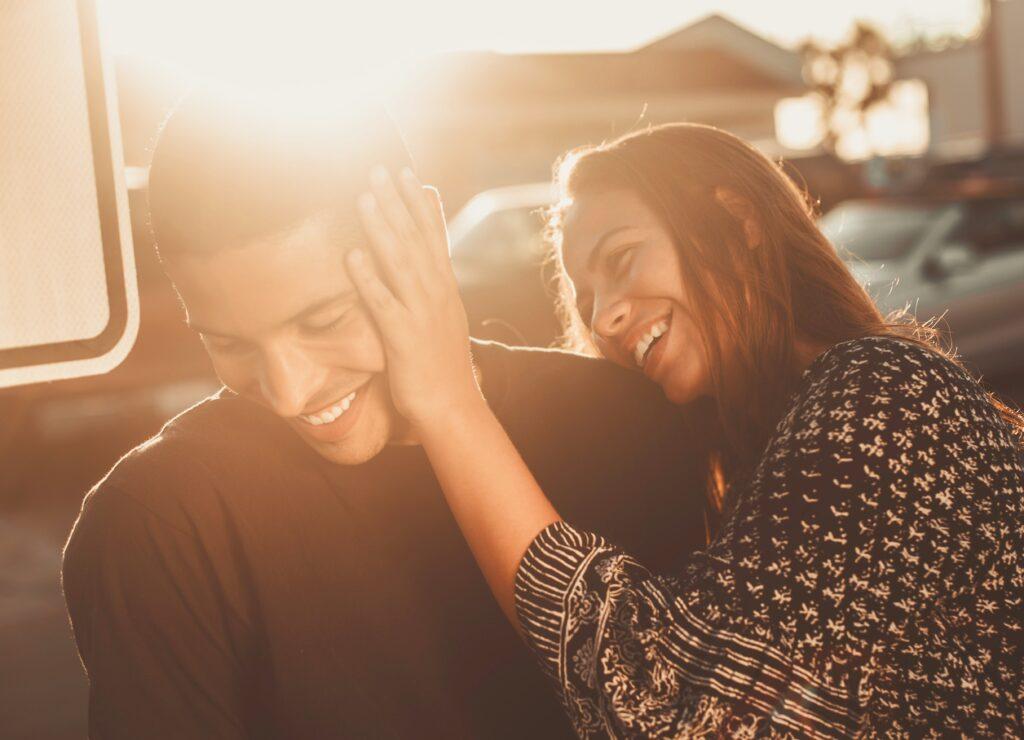 Couple-in-the-sun