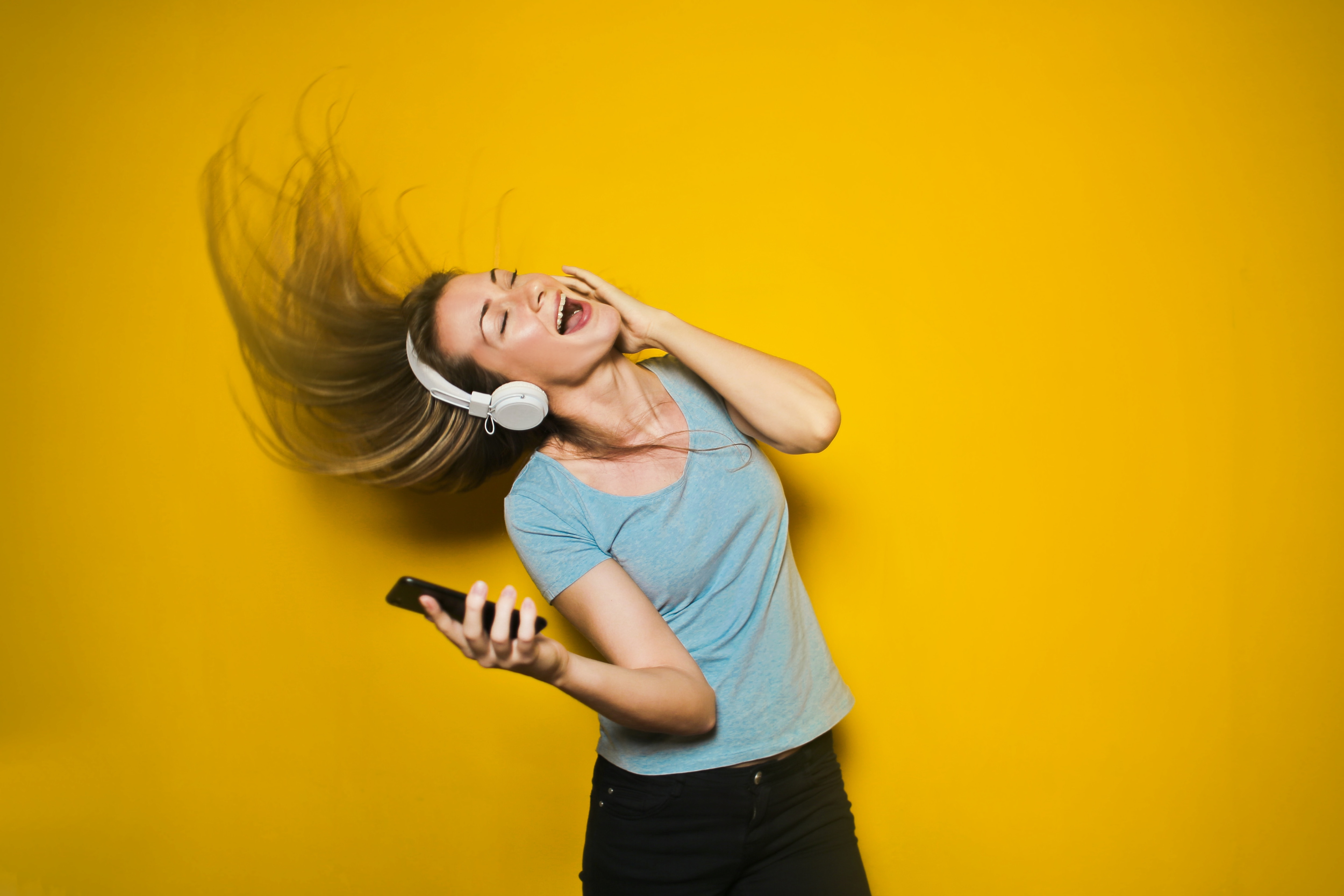 Does Listening to Music at Work Really Make You More Productive?