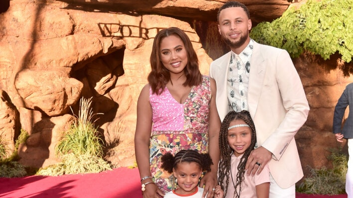 Stephen and Ayesha Curry and their children