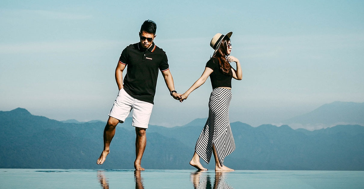 Change couple in water